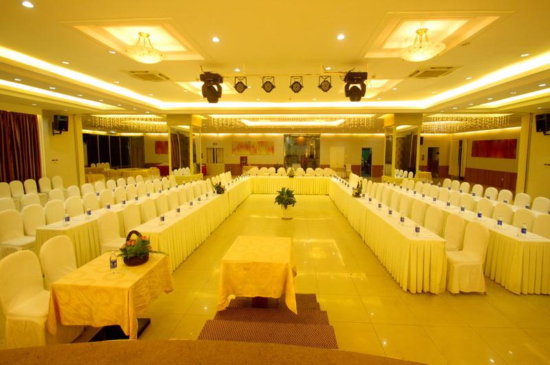 Tổ chức hội thảo tại Nha Trang