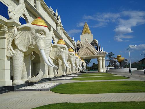 Tour Hà Nội – Vinh – Vientiane – Udonthani- Hà Nội