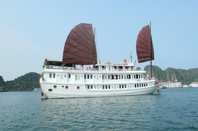 Tour Hà Nội- Hạ Long- Du Thuyền Phoenix Hạ Long