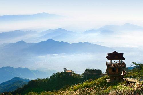 Tour Hà Nội- Đà Nẵng- Bà Nà- Hội An- Biển Lăng Cô