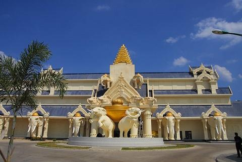 Tour Huế/Đà Nẵng – Viêng chăn – Savanakhet