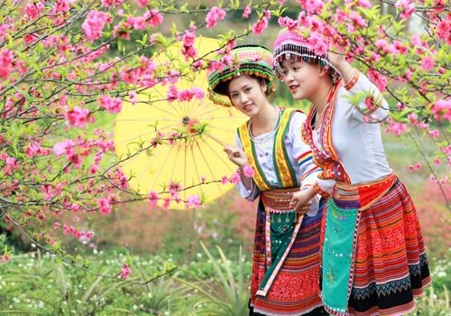 Tour Hà nội – Sơn La – Mường Phăng – Điện Biên – Sa Pa – Lào Cai – Hà Khẩu – Việt Trì – Đền Hùng