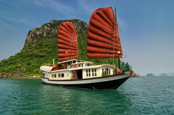 Tour du thuyền Hạ Long: Du thuyền Princess Hạ Long