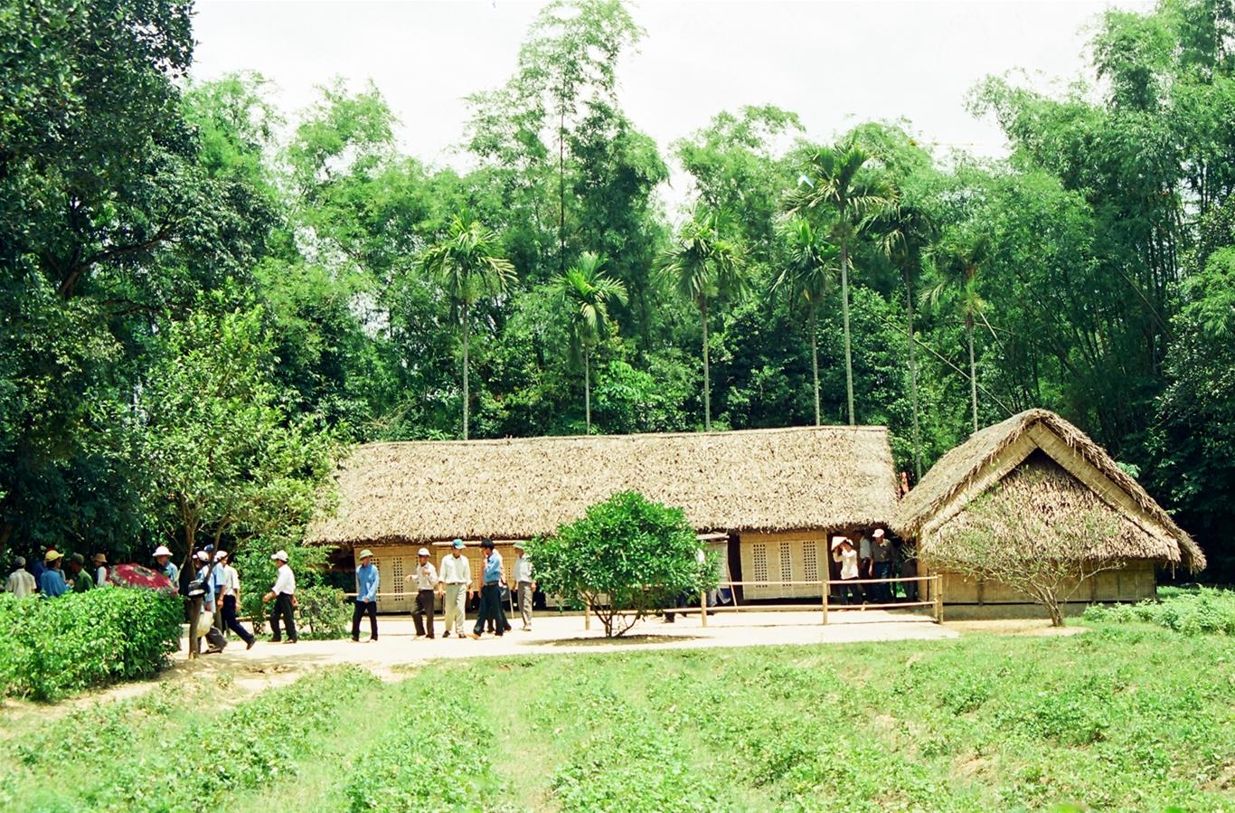 Tour Hà Nội – Cửa Lò – Quê Bác